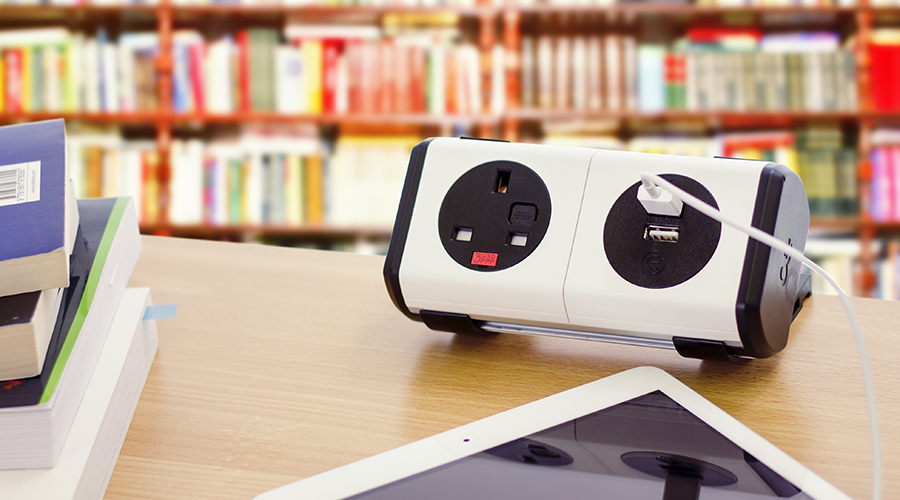 panda-black-white-oe-power-usb-charger