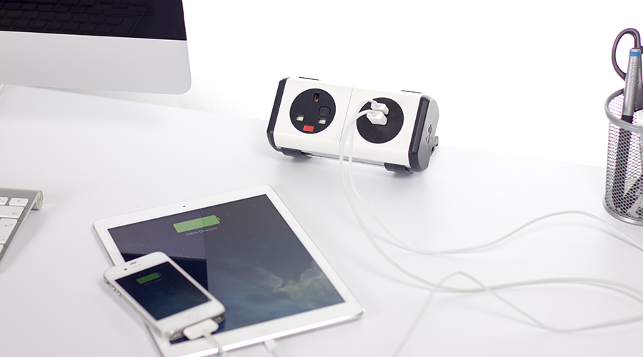panda-charging-iphone-ipad--usb-data-power-charger-oe-electrics