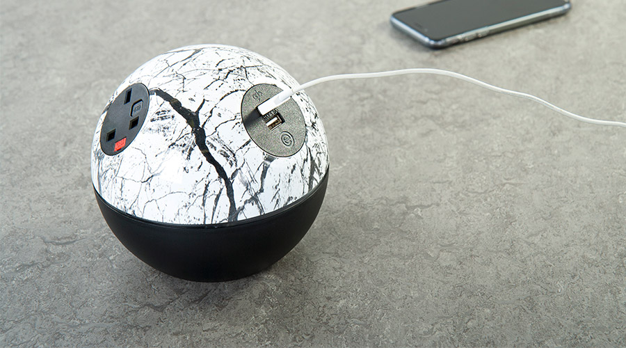 marble-black-swiss-tuf-phone