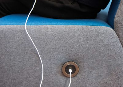 reversible usB Type A in seating