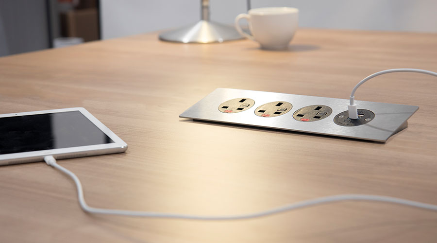 PODIUM with three UK fused sockets and one TUF A+C USB charger